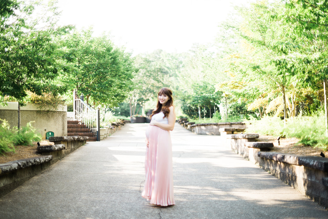Summer Maternity Photos at the Birmingham Alabama Botanical Gardens by 2bPhotography